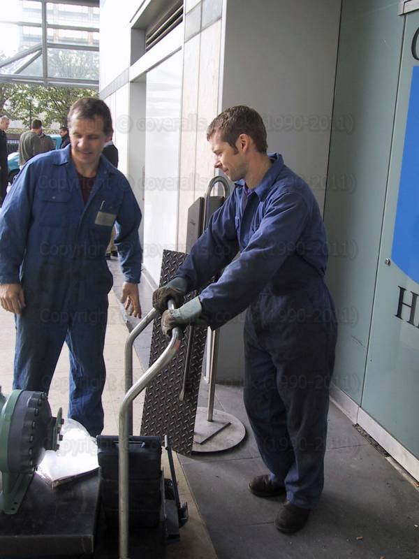 Air Con engineers in blue coveralls at Canary Wharf 1